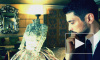 Греческий художник Никос Флорос мечтает заковать петербурженок в алюминиевые платья