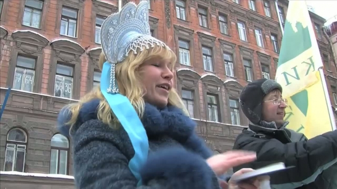 Банка огурцов в подарок. «Живой город» поздравил Стокманн с Рождеством