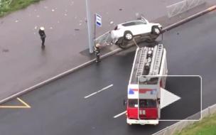 В ДТП на Маршала Казакова перевернулась машина