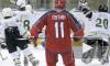 Путин забросил несколько шайб на тренировке с легендарными хоккеистами