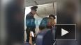 """Видео: в """"Пулково"""" пьяный дебошир задержал вылет самолет..."""
