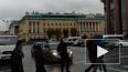 """""""Полицейские"""" в масках коней вышли на улицы Санкт-Петерб..."""