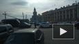 На Дворцовом мосту дорогу не поделили 3 автомобиля