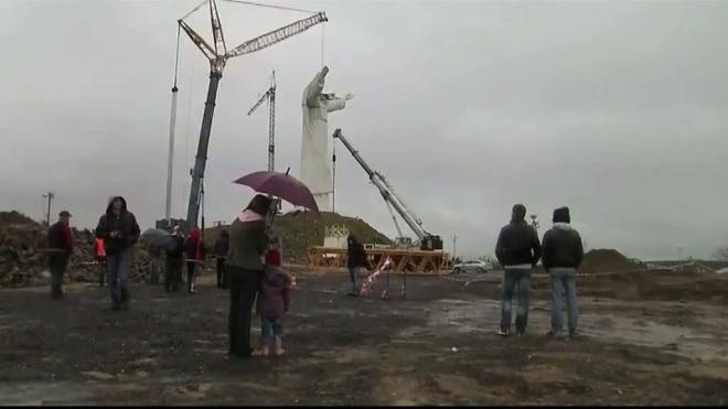 Статуя Иисуса высотой 36 метров