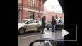 Агрессивный петербуржец подрался с таксистом на Петрогра ...