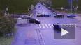 Видео: на Большом проспекте В.О. Mercedes снес дорожный ...