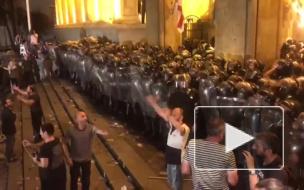 Песков назвал митинги в Грузии русофобской провокацией