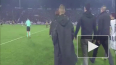 Российский вооруженный бизнесмен прервал футбольный ...