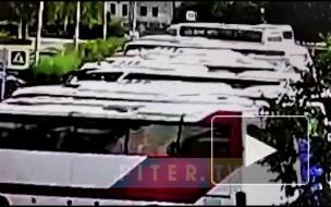 Момент взрыва газа в доме на Краснопутиловской попал на видео