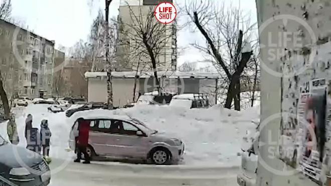 СКР начал проверку по факту избиения подростками 12-летнего школьника в Новосибирске
