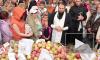 На Яблочный Спас петербуржцев угостили яблоками. Горожане съели всё