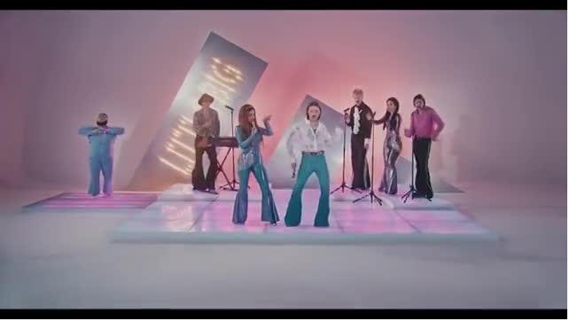 Клип Little Big на песню Uno набрал более 45 млн просмотров
