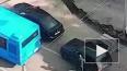 Видео: В Москве на светофоре двое с кувалдой средь ...