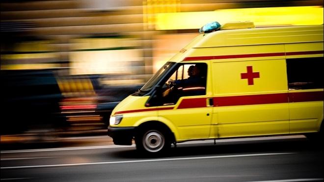 На проспекте Косыгина маршрутка столкнулась с иномаркой: один человек пострадал