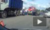 """На Пушкинском шоссе """"КамАЗ"""" и легковушка раздавили мотоциклистку"""