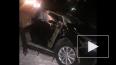 На видео попал момент, как автомобиль угодил под поезд в...