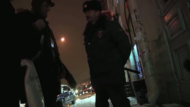 Без комментариев: милиционер отказывается помочь пострадавшему