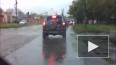 Чудом не пострадал: В Костроме водитель снес бетонные ...