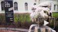 У Мраморного дворца появился фонтан из обломков, извлече...