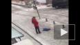 Видео: В Бишкеке мужчина пнул в живот годовалого ребенка