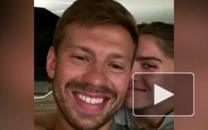 СМИ анонсировали свадьбу футболиста Смолова с внучкой Ельцина