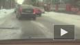 На Приморском шоссе бетономешалка повалила дерево ...