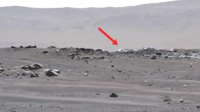 Камера вездехода Perseverance NASA запечатлела странные объекты на Марсе