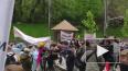 В Киеве проходят протесты с требованием разрешить ...