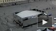 Зеркальный куб BMW едва не убил туристов на Дворцовой