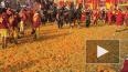 """В Италии на традиционном карнавале во время """"Битвы ..."""