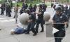 Пожилой американец попал в больницу из-за толкнувших его полицейских