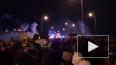 Полиция применила слезоточивый газ против демонстрантов ...
