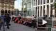 iPhone 6: фанаты Apple выстроились в очереди за 2 ...