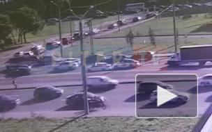 Появилось видео момента аварии у моста Александра Невского