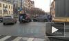 """В центре Петербурга столкнулись два """"Мерседеса"""". Один из водителей держится за голову"""