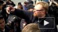 Милонов снова устроил потасовку с ЛГБТ-активистами ...