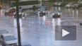 """Яндекс.Такси"" врезался в легковушку на площади Восстани..."