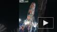 Жуткие кадры из Индии: С колеса обозрения выпали дети, о...