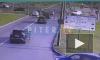 Видео: на перекрестке Уточкина и Долгоозерной столкнулись две легковушки