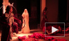 "Петербуржцам представили оперу ""Снегурочка"" под звуки пакетов, бутылок и счетов"