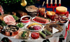 "Хозяйки готовят салаты на Новый год 2015, самые популярные ""Крабовый"", ""Цезарь с курицей"", ""Гранатовый браслет"""