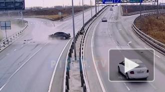 Момент жесткого ДТП на севере КАД в Петербурге попал на видео