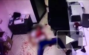 Во Владикавказе бывший муж из ревности изрезал ножом бывшую жену прямо под камерами