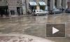 "Караванную улицу затопило из-за прорыва трубы у ""Дома Кино"""