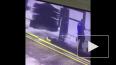 Появилось видео, как работника автомойки намотало ...
