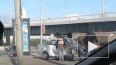 Видео: под Володарским мостом столкнулись две легковушки