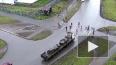 Жуткие кадры из Петрозаводска: Груженый грузовик снес лю...