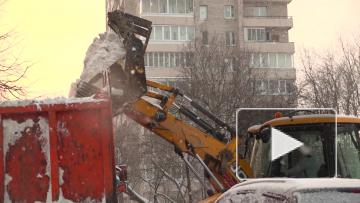 Беглов и Бондаренко лично проинспектировали уборку ...