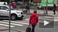 На Луначарского мужчина угрожал женщине в машине мусорко...