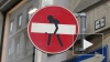 В Петербурге исчезнет реклама на дорожных знаках